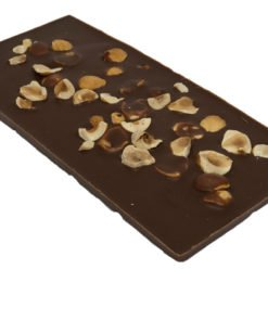 Mjölkchoklad med rostade hasselnötter