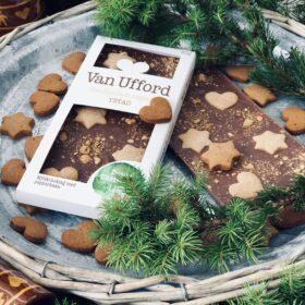Spicy Christmas är vår mest populära julchoklad. Ekologisk mjölkchoklad med pepparkaka.