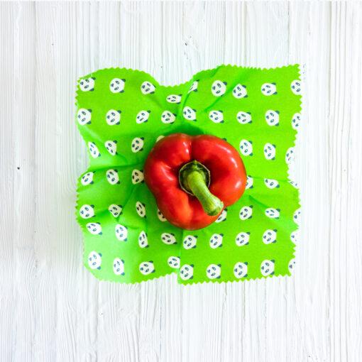 Paprika i grön bivaxduk.