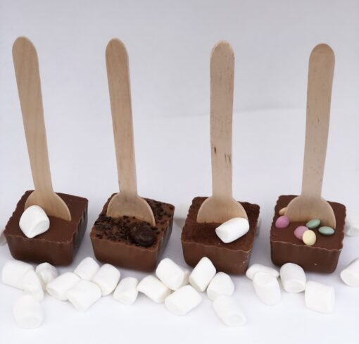 Bild på Hot chocolate spoons fyra smaker i mjölkchoklad med marshmallows